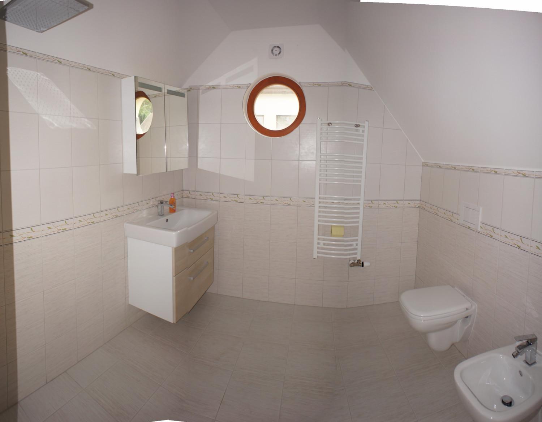 Pomůžeme vám zrekonstruovat a zařídit koupelnu podle vašich představ a nejnovějších trendů vbydlení